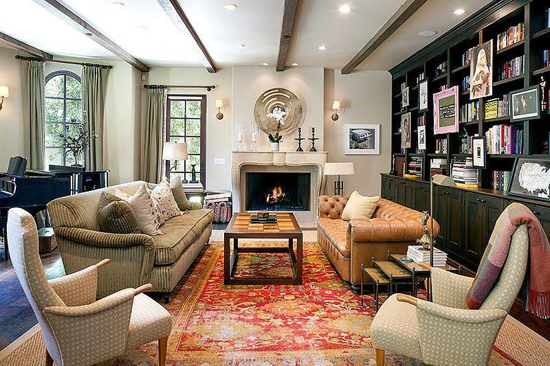 collection-mixed-matched-furniture-gives-living-room